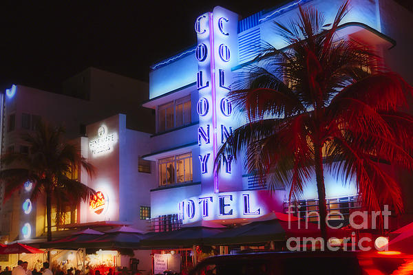 George Oze - Art Deco Neon of Miami Beach