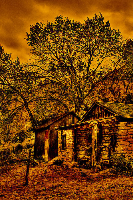 David Patterson - Old Cabin in the Red Rock Canyon