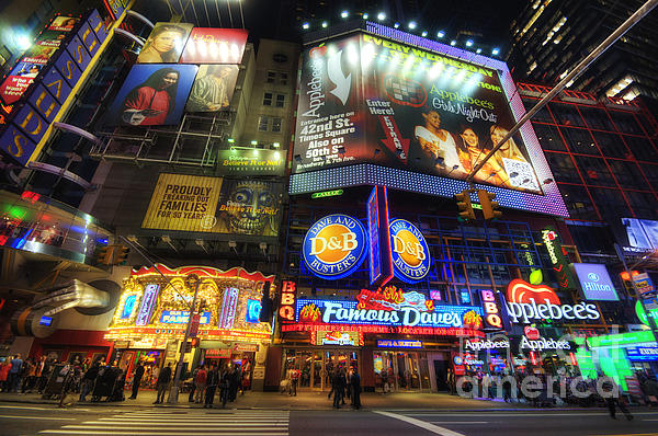 Yhun Suarez - Stunning Lights Of 42nd Street
