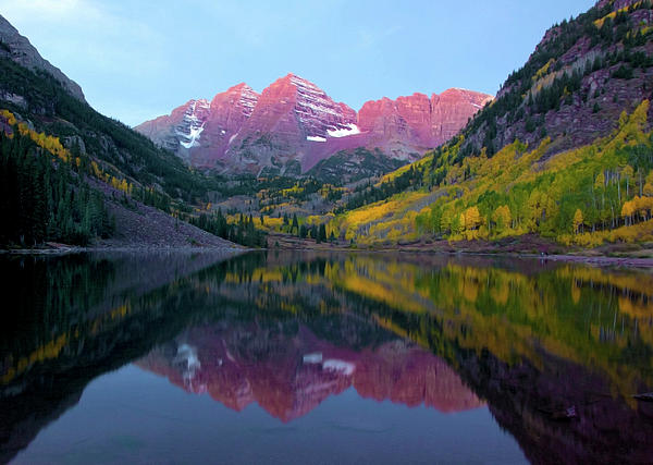 Carolyn Dalessandro - Sunrise at Maroon bells