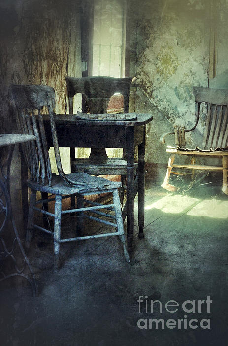 Jill Battaglia - Table and Chairs