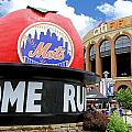 Allen Beatty - Mets Home Run Apple