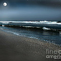 Artist and Photographer Laura Wrede - Night Beach