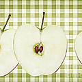 Natalie Kinnear - Country Style Apple...
