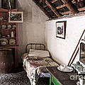 RicardMN Photography - Inside an old thatched...