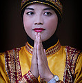 Jan Pudney - Saman dancer