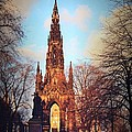 Miryam  UrZa - Scott Monument