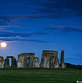 Bruce Nutting - Stonehenge at Night