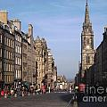 Miryam  UrZa - Royal Mile Edinburgh