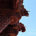 Lingfai Leung - Wood Carvings of Havali...